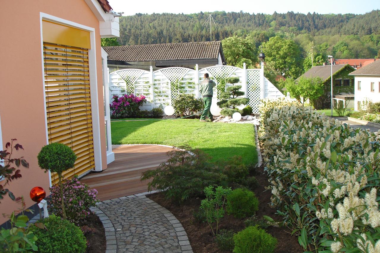 Wir bieten individuelle Pflegelösungen für jeden Garten.