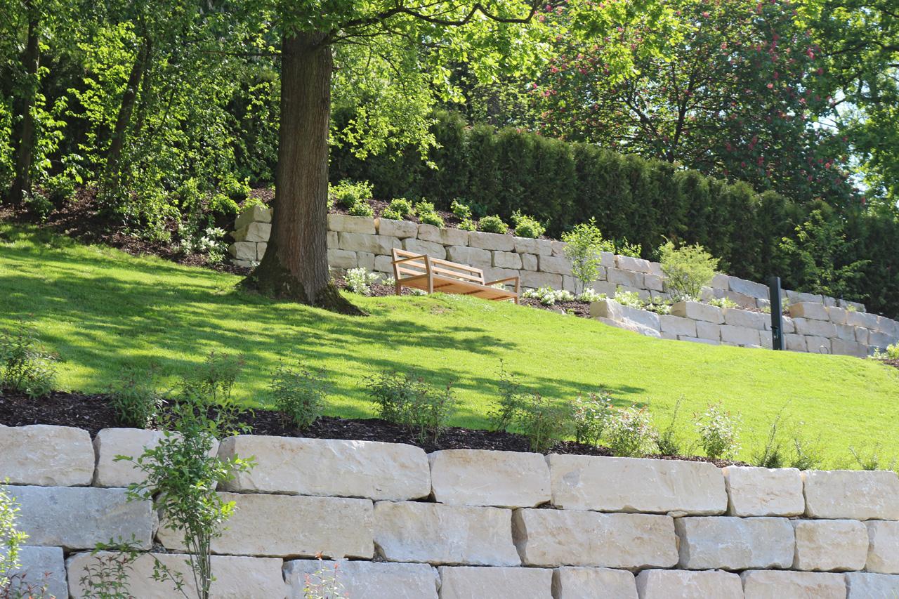 Parkähnliche Gartenanlage als grüne Oase der Stadt.