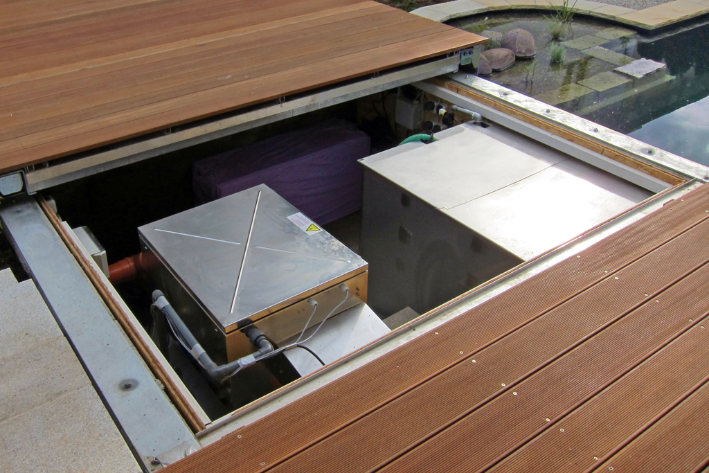 Platzsparend und effektiv! Moderne Filtertechnick für Teich und Pool.