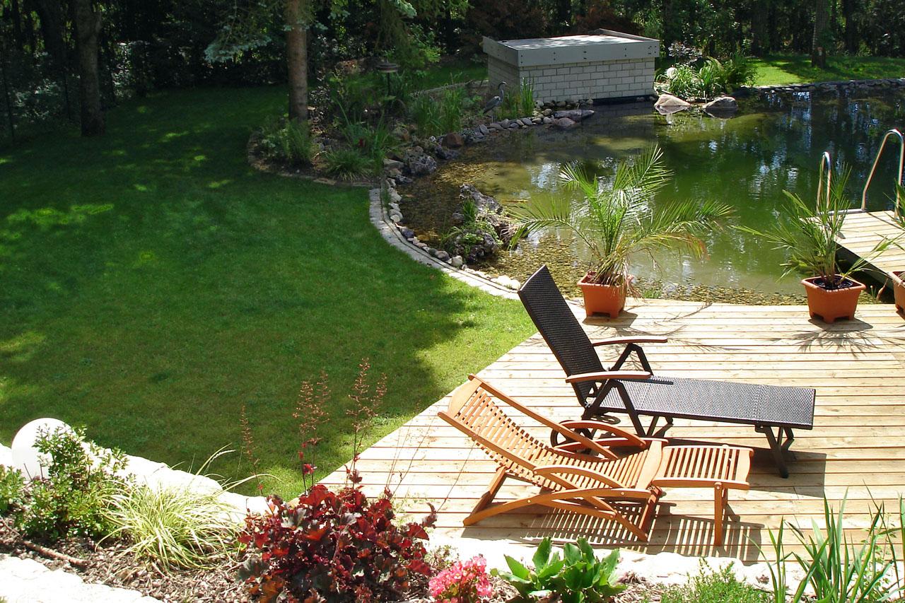 Gartenanlage mit Schwimmteich in Lichtenfels
