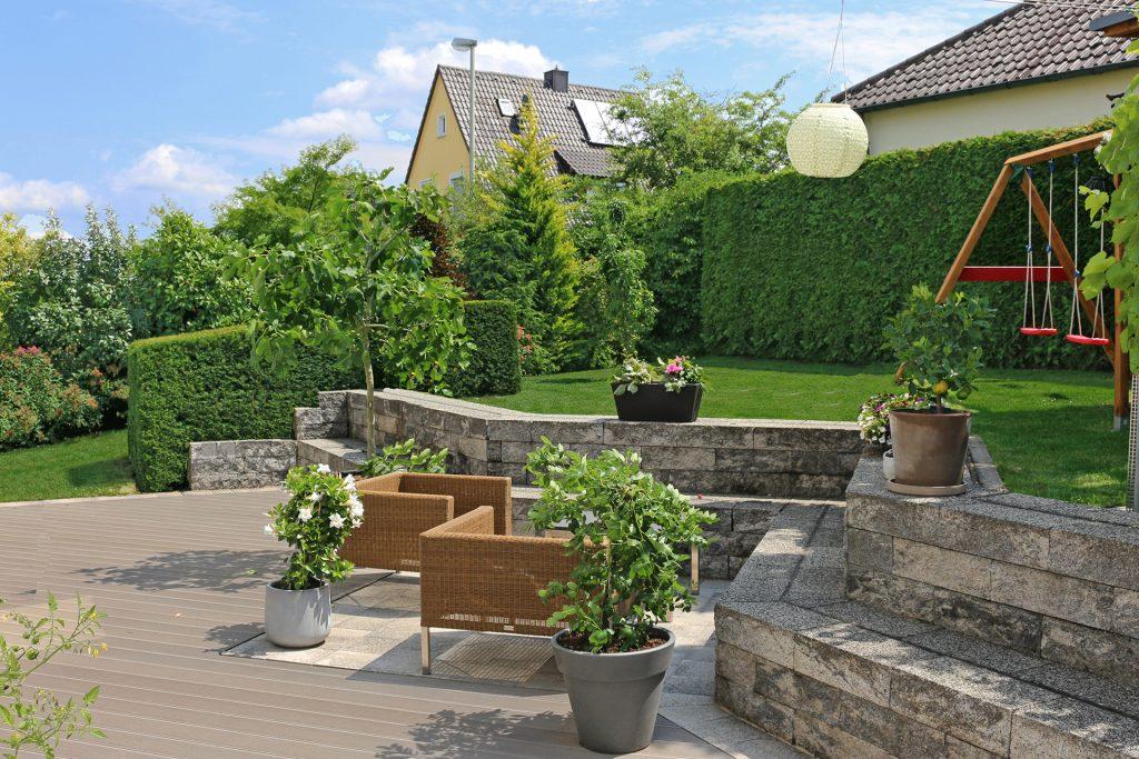 Moderner Familiengarten in Lichtenfels.